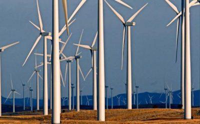 Las baterías gigantescas alimentan los planes para las energías eólica y solar