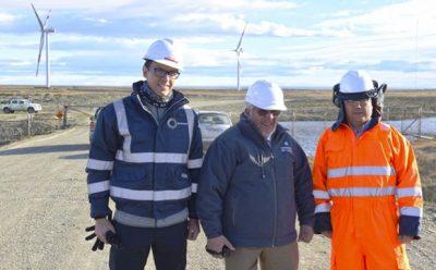 Autoridades verifican avances del nuevo Parque Eólico de Enap en Cabo Negro