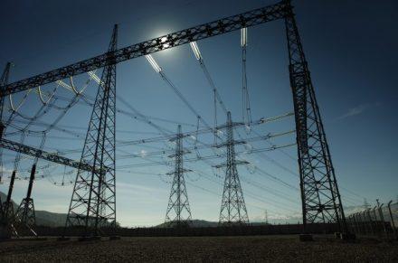 Ministerio de Energía excluye medición de horas punta en abril y mayo por crisis del Covid-19