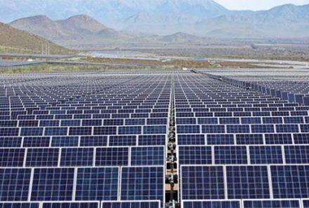 Chile supera barrera del 20% en generación de ERNC e industria se pone nuevas metas a 2030